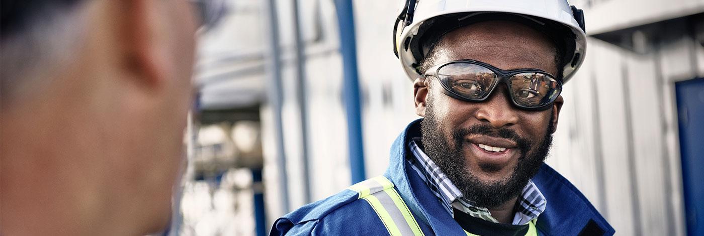 Image of pipeline technician